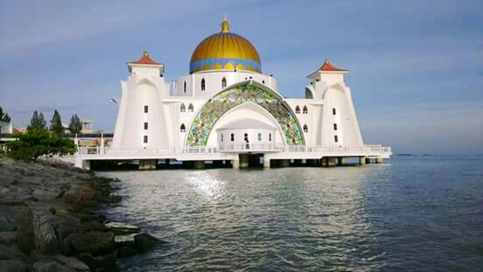 Malacca Straits Mosque Architecture On The Ocean Majestically Beautiful View No People, Perfect Shot