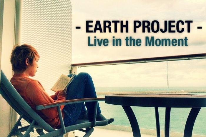 地中海で読書をする私のメンター、和樹。この人みたく、もっと自分に正直に生きたい。 EARTH PROJECT