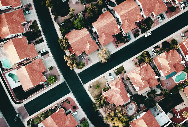Aerial view of a suburban neighborhood within glendale, arizona, a phoenix metro city.