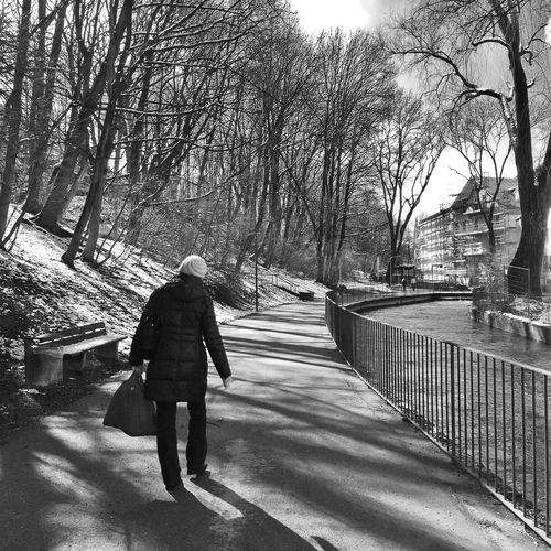 Day 55 - Along the Isar. - iPhone 6 - Native Camera App - Snapseed App Iphoneonly IPhone Photography IPhoneography Streetphotography Streetphoto_bw Street Photography GERMANY🇩🇪DEUTSCHERLAND@ München IPS2016People