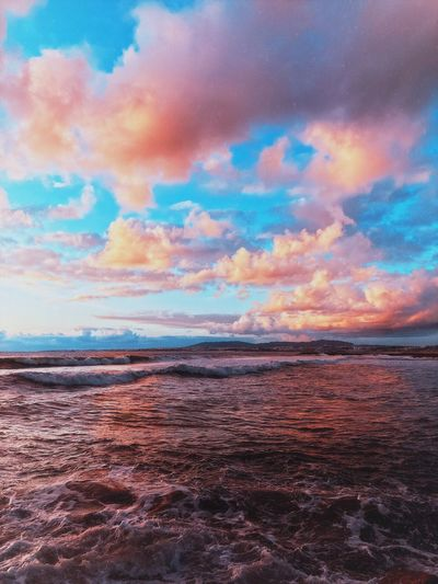 Cotton candy sunset 🍭 Sunset And Clouds  Sunset Sky Cloud - Sky Beauty In Nature Scenics - Nature Tranquility Tranquil Scene Sunset Water No People Idyllic Nature Multi Colored Horizon Outdoors Non-urban Scene Sea Beach Capture Tomorrow