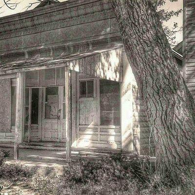Buffalo Gap, South Dakota Trb_bnw Trb_members1 Trailblazers_rurex Bnwbutnot abandon_seekers trb_country bnw_captures blacknwhite_perfection abandoned_junkies igaa icu_usa insta_america