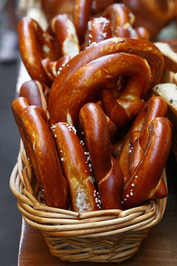 Fresh pretzels at bakery cafe Pretzels Baked Bakery Bakery Cafe Basket Bread Breads Brown Close-up Food Food And Drink French Food Freshness Healthy Eating Large Group Of Objects Pretzel Pretzel Bread Ready-to-eat Snack