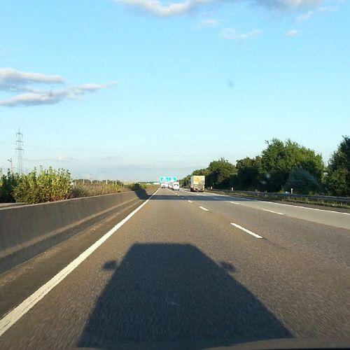 Mein Schatten zeigt mir den weg.... A3 Schatten Auto Car sommer summer bamberg frankfurt musik music heimat autobahn sonne sun himmell nolimit insta instapic picoftheday drive fahren