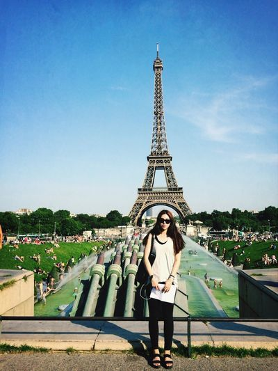 Paris ❤ La Tour Effel France Summer sunny day!!!?