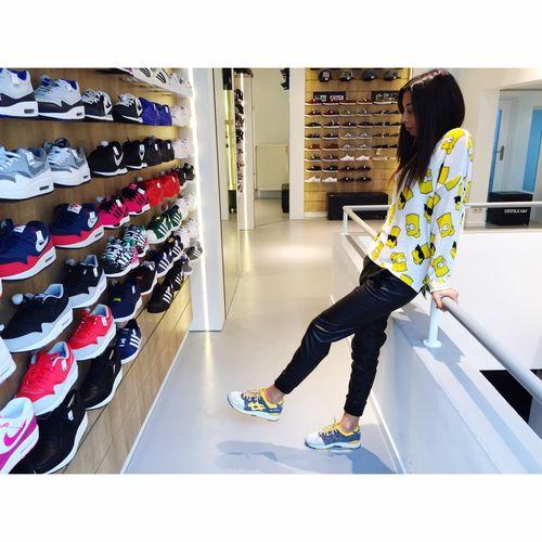 Pump Sneakers shop Hello World