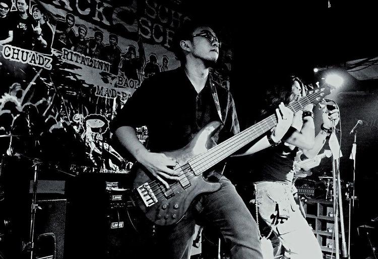 Live to play live Bassist Yamaha Trb5 Rockband Live Music Liveband Rock