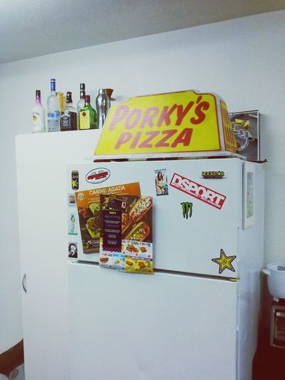 got a new pizza sign for my fridge.. LMFAO!