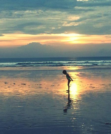 her world Beach Sunset Bali