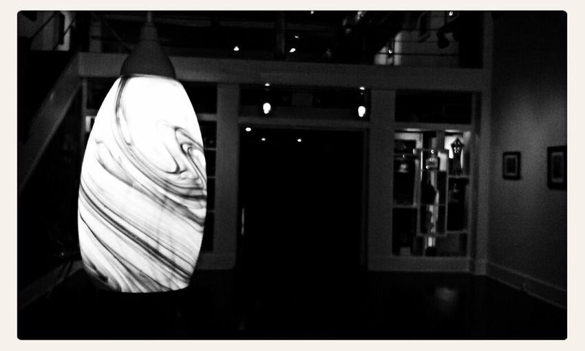 Art Gallery Lamp Urban Black & White