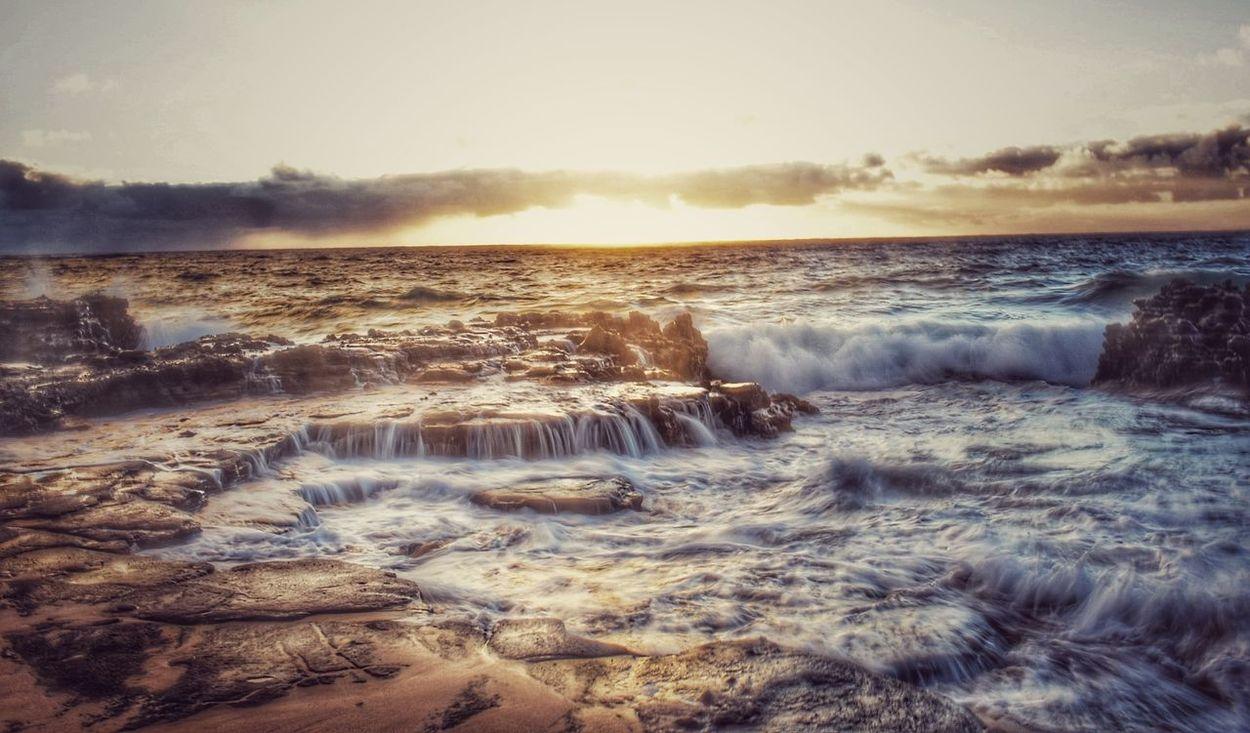 Gula-*Golden in Hawaiian Heat - Temperature No People Horizon Over Water EyeEmNewHere