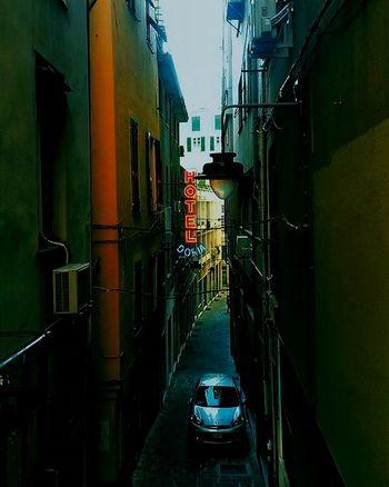 Walking Around Genova Strade Vicoli Street City Discover Your City