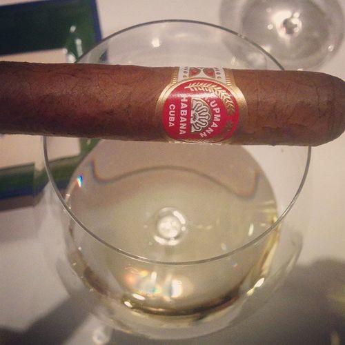 Wine & Cigars Hupmann Habana Bourgogne Chardonnay Mercury
