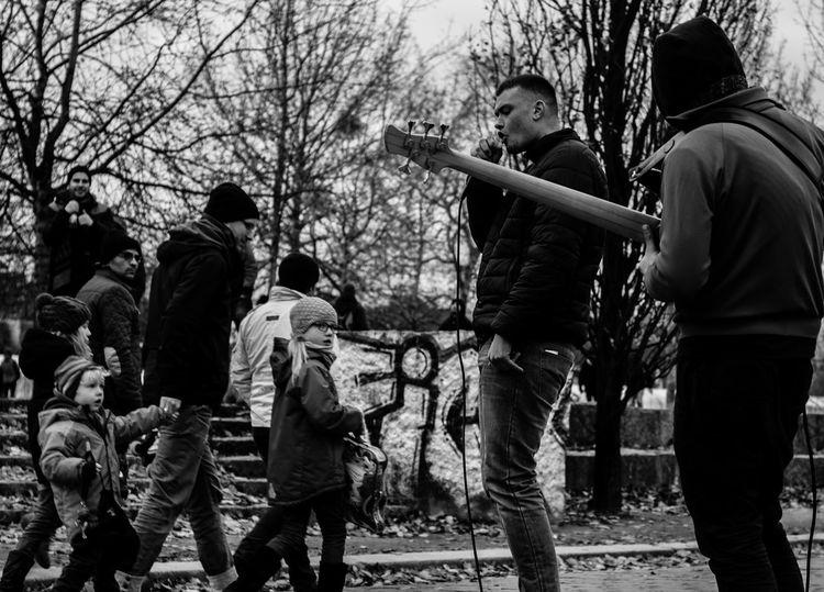 Blackandwhite Dramatic Lifestyles Music Outdoors People Photo Photography Streetartist Streetphotography Urban TakeoverMusic