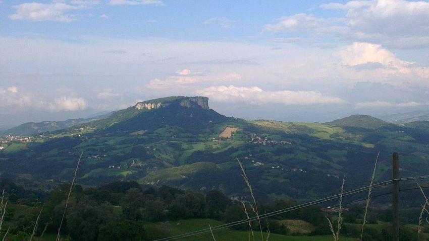 Un simbolo del nostro Appenninoreggiano Pietradibismantova Mountain View Foto By Ulk