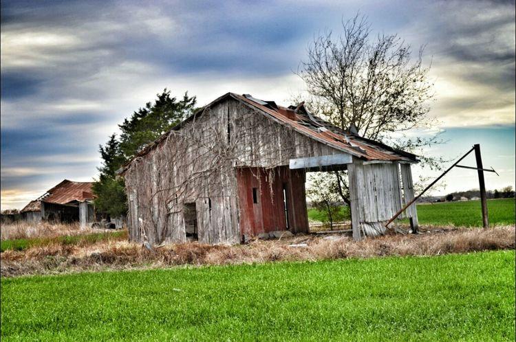 Abandoned Barn Rural Scenes Rural Decay Gonebutstanding
