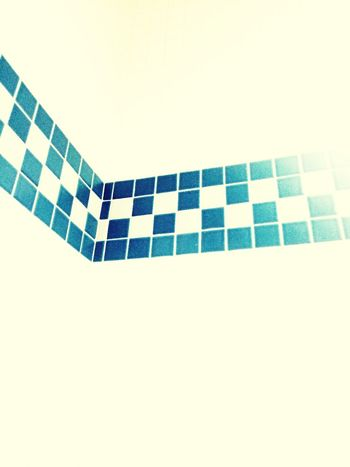 What is it? Illusion Swimming Pool Checks Colorful Tiles