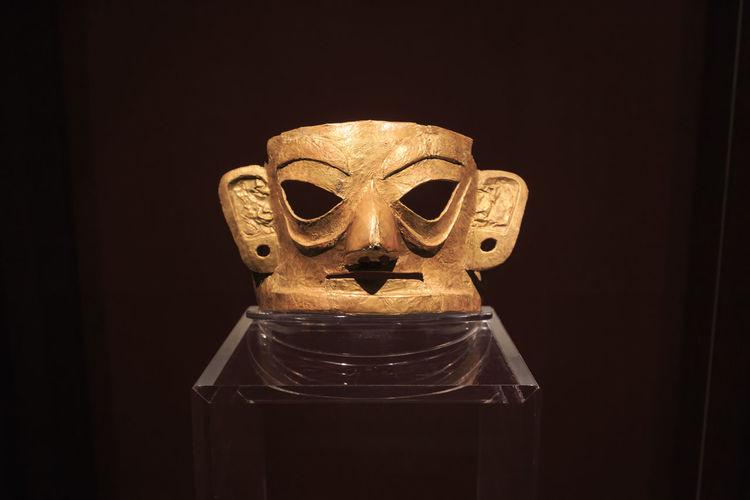 Chengdu, China - December 11, 2018: Golden mask inside the Jinsha museum in Chengdu Chengdu China ASIA Jinsha Museum Art Gold Museum Mask Indoors  Close-up No People Still Life
