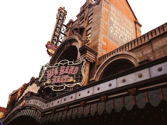 Building Exterior Architecture Low Angle View Built Structure Travel Destinations Outdoors History Clear Sky No People City Sky Day Disney ディズニー 東京ディズニーシー Bigbandbeat ビッグバンドビート Show シーに来たら絶対このショー見る。💃ミッキー達とプロのジャズバンド、プロのダンサーによるショー。この日傘もってなくてずぶ濡れで並んでたら隣にいたディズニー通のおじいちゃんが傘貸してくれて見えやすい最前列の位置まで一緒に連れてってくれて一緒にみてくれました👴