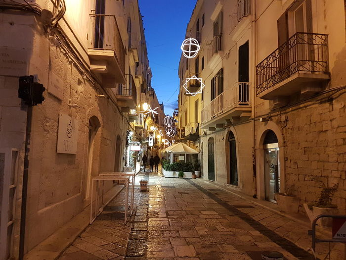 Trani Tranibynight S7flat Yellaspuglia Italy Apuglia Visititalia Architecture Building Exterior Built Structure The Way Forward Religion Outdoors Travel Destinations