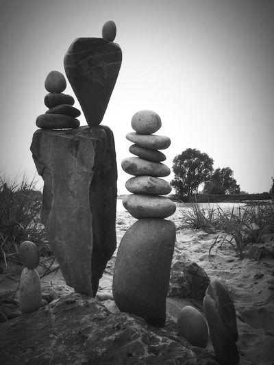 Everything Zen https://youtu.be/qE7SgQHlGCE Silence Is Golden I ♡ Rockbalancing Handmade Sculptures Gravity Glue No Comment