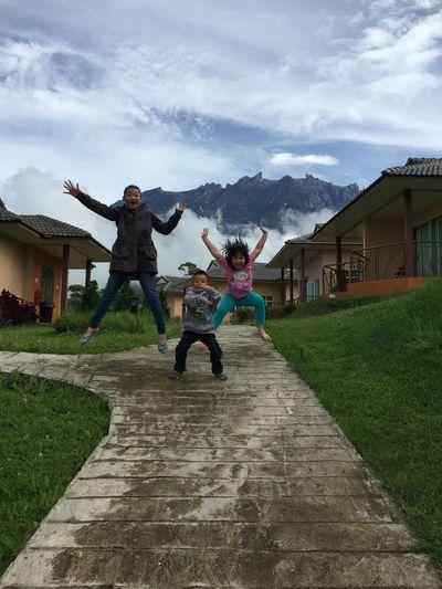 93% by Roll app Beauty In Nature Kids Being Kids Kidsphotography Funny Happy People Idyllic Scenery Mountain Range Mountain View Cloud