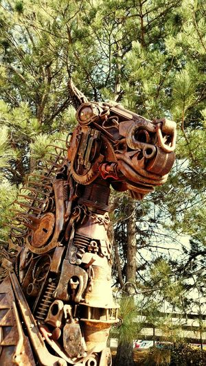 Leanin' Tree Museum. Metal Horse!