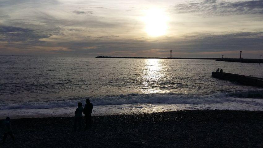 Закат в Сочи. Декабрь Sochi Сочи Море Blacksea Beach Sea Sunset Silhouette Horizon Over Water Water Sunlight Sun Nature Sky People Beauty In Nature