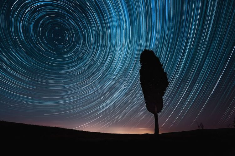 Star Trails in Tuscany during Perseid Meteor Shower 2018 Summer Solitary Lights Startrails Tuscany Pisa Italy Hills Countryside Alone Night Nightscape Nightsky Sky Landscape Meteor Shower Cypress Astronomy Star Trail Space Galaxy Star - Space Concentric Silhouette Long Exposure Milky Way Star Field Space And Astronomy Starry