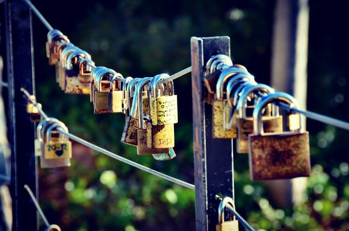 Locks Candados De Amor Candado Padlock Lock Security Hanging Safety Love Lock Protection Love Metal Railing Heart Shape Hope - Concept Outdoors Day No People Hope Close-up