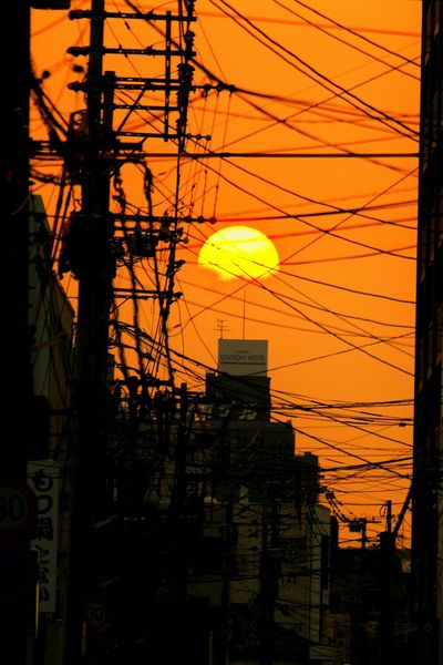Creative Light And Shadow ある意味、日本らしい夕景♪(*´︶`*)✿ Sunset Sunset Silhouettes Sunsets シルエット部 Silhouette Cityscapes Silhouettes Of A City Eyeem Best Shots - SilhouetteSunset Silhouette