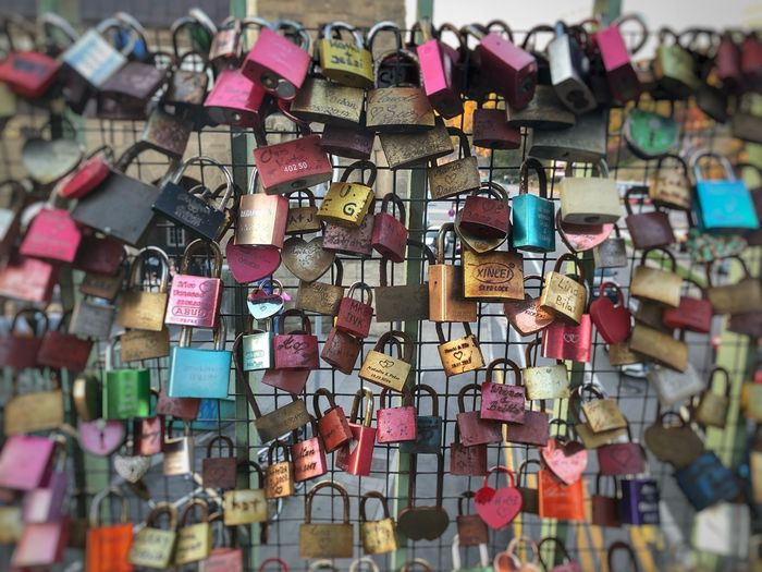 Love ❤️ Abundance Large Group Of Objects Padlock Lock Hanging Multi Colored Love Security Choice Protection Safety No People Selective Focus Backgrounds Positive Emotion Variation Full Frame Love Lock Railing Day