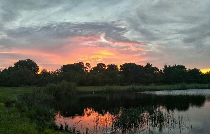 Twilight Scene Amazing Clouds Beauty In Nature Art By Nature Reflections And Shadows Waterscape Storm Clouds At Sunset Water Reflections My Backyard Canvas Beauty After The Storm Cloudscape