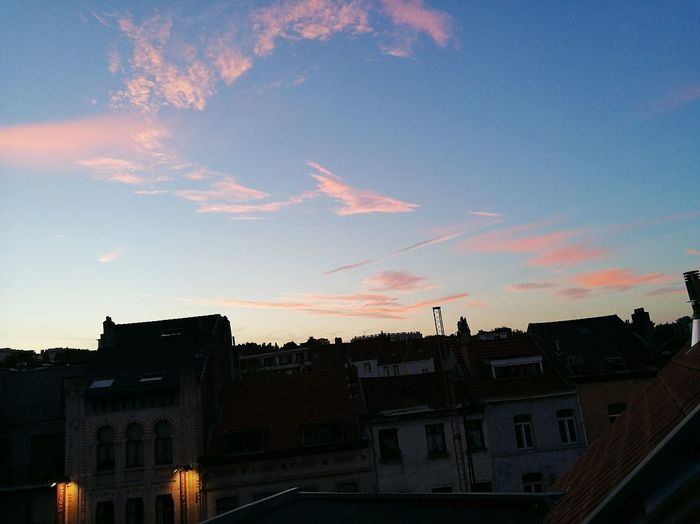 Hanging Out Check This Out EyeEm Best Shots Town City Life Colors Pink Brussels Beauty In Nature Clouds And Sky