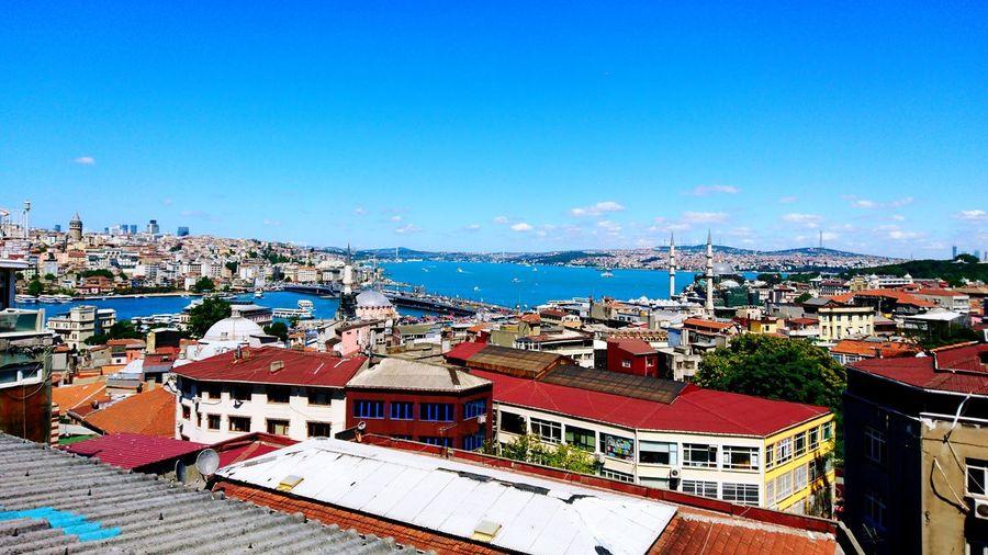 Deniz 🛳 bugün yeşil 🤔 View Istanbul Turkey Sea Loveistanbul Perfect Day Eminönü Mükemmelötesi șantiye Cafe
