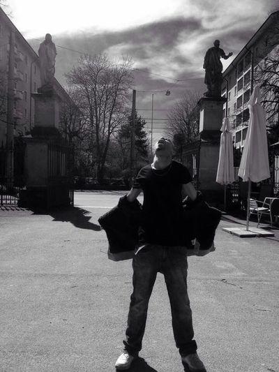 Great shot by Liz Lomboy, Full respect. Torn Darknessandlight Badprophetz KrypticTheStranger •KrypticTheStranger•