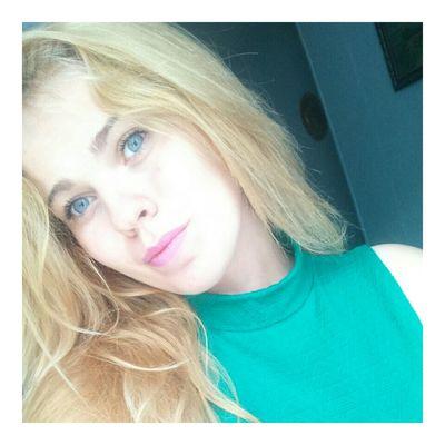 Blond Blueseyes Green