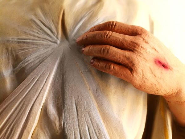Divine mercy Jesus Christ Jesus Logo Catholic Christianity Jesus Hand Divine Light  Divine Mercy Divine Mercy Shrine EyeEm Gallery EyeEm EyeEm Selects Human Hand Close-up Personal Perspective Cropped This Is Strength