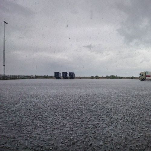 Walking on Water :) Regnskur Regn rain halmstad halland hejhalmstad 7dagarbilden skylovers cloudlovers instagram_i_sverige