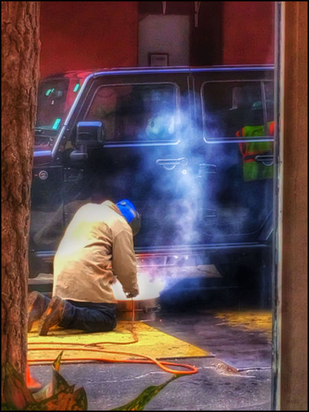 Welder -11/28/18 Malephotographerofthemonth NYC Street Photography EyeEmNewHere Real People Full Length My Point Of View Catch As Catch Can