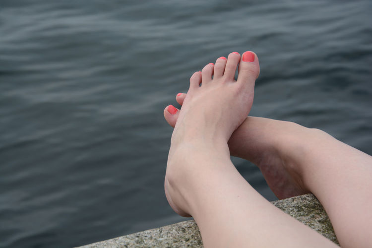 Barefoot Chill Out Chill Out Life Style Chillaxation Close-up Feet Human Foot Personal Perspective Tranquil Scene Urban Spring Fever Women Around The World Millennial Pink EyeEm Ready   Love Yourself Colour Your Horizn Inner Power Summer Exploratorium Visual Creativity Summer Sports A New Perspective On Life