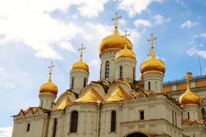Cathedral Of The Annunciation Dome Religion Travel Destinations Place Of Worship Architecture Gold Colored Spirituality Travel Cloud - Sky Outdoors Sky Day Gold City No People Kremlin Complex Kremlin Moscow Moscow, Russia Russia Kremlin Architecture Russia Politics And Government Travel Built Structure