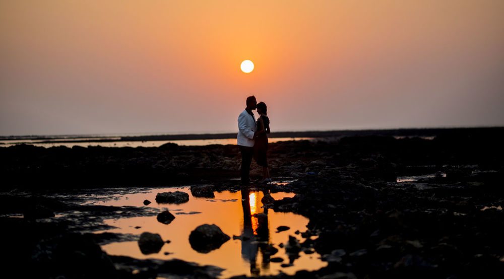 Sunset Reflection Beach Orange Color People Sun Full Length Adult Sea Silhouette Standing Two People Sunlight Outdoors Sky Adults Only Coupleportrait Beachphotography Looking Into The Future Couples Beach Photography LoveIsInTheAir❤️ Holding Hands Lovely Weather Couple Photography Be. Ready. EyeEmNewHere