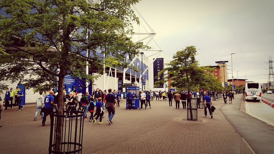 Tree Large Group Of People Building Exterior Built Structure Architecture City Sky City Life Outdoors Day In Front Of Crowd Leicester City KING POWER Football Premier League Champions 5000/1 Dreams Come True English Football