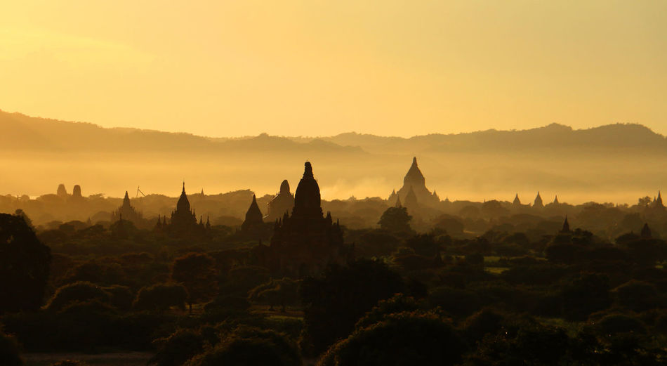 Sunset of Bagan. Photo By- Khant Htet Ancient Architecture Bagan, Myanmar Landscape Myanmar Pagoda Sunset Travel First Eyeem Photo