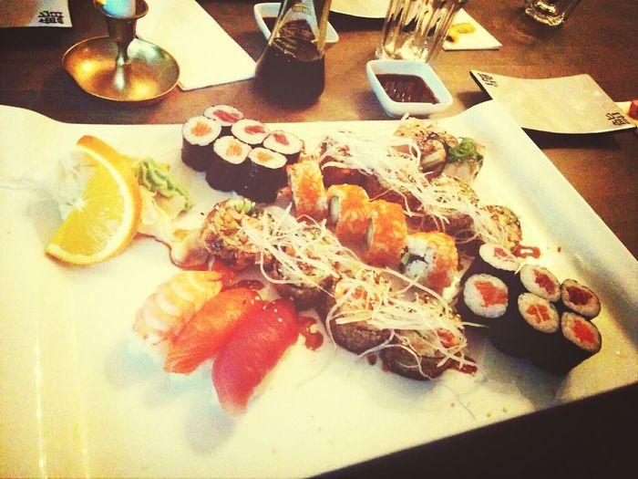 Dinner Sushi End Of Weekend Friends