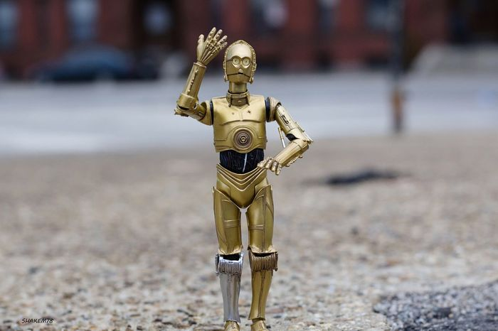 In a lot of ways C3po has the hand gestures of an old Italian man. 😂😂😂 Toysoutdoors Toyaddict Toy Photography Toyphotographer Plasticcrack Photography C3p0 Starwarstoys Starwars