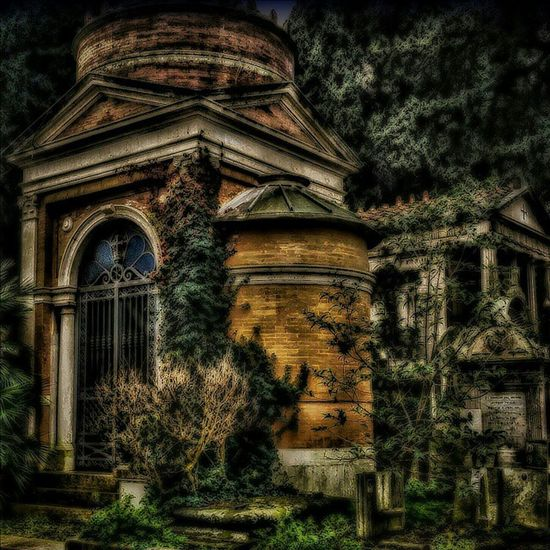 💣 This is my first pic loaded on EyeEm. Shooted and edited by me into the Verano Monumental Cemetery of Rome. 💣 Cemetery Cemeteryscape Cemeterybeauty Cimitero Monumentale Del Verano Tomba HDR Hdr_Collection Hdr_lovers Hdr_gallery Hdr_arts  First Eyeem Photo