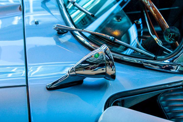 Retrovisor de um Jaguar Retrovisor Car Blue Close-up Metal