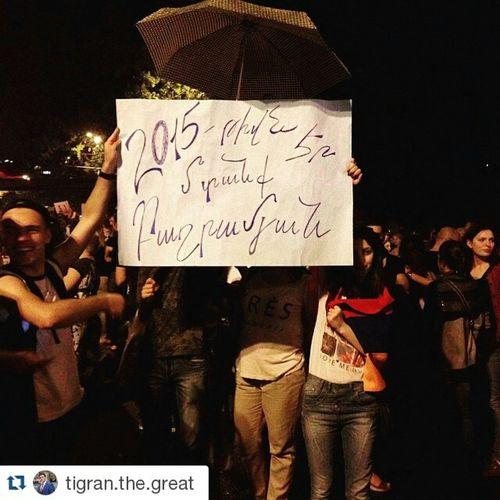 Repost @tigran.the.great ・・・ Այո, այստեղ պատմություն է կերտվում :D :Շ Electricyerevan ոչթալանին Armenia Yerevan RightNow